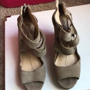 Preowned suede taupe Dolce Vita wedge sandals!